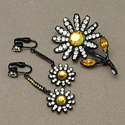 Daisy Flower Set Pin & Earrings Rhinestones Japanned Black Metal Vintage Capri