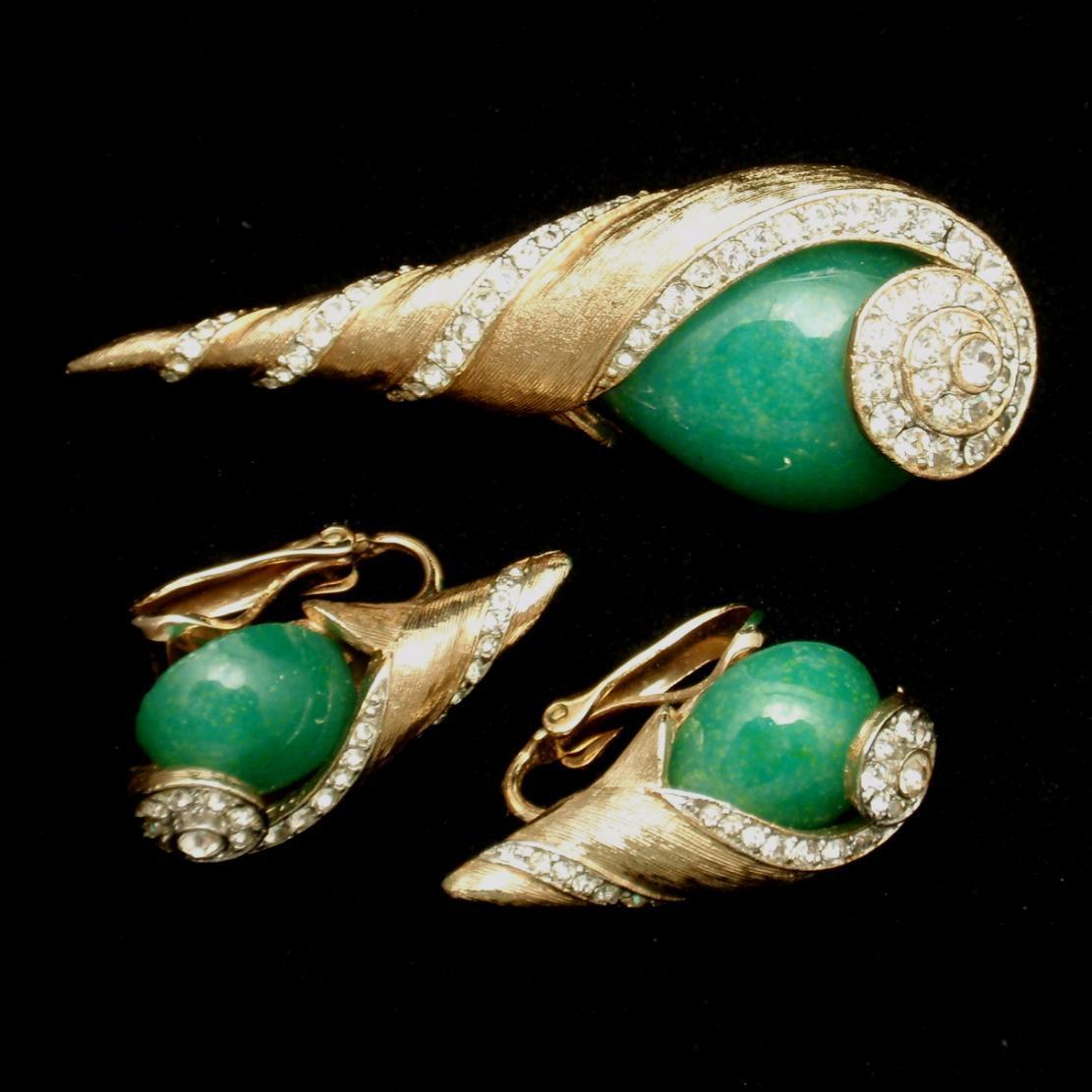 Kramer Set Brooch Pin Earrings Spiral Shell Design