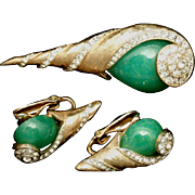Kramer Set Brooch Pin Earrings Spiral Shell Design Rhinestones Large Green Cabs