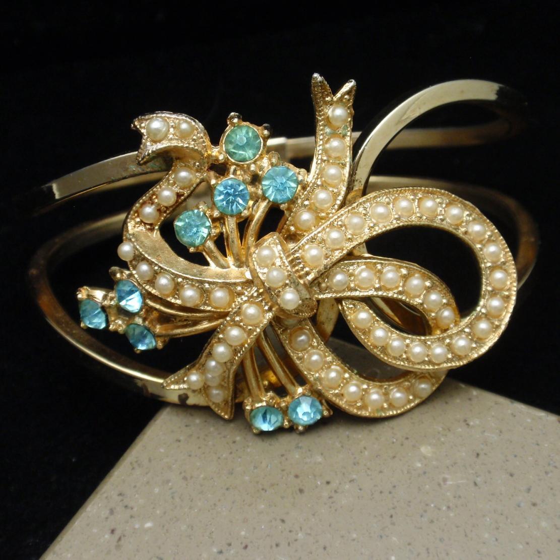 Wrist Corsage Clamper Bracelet Rhinestones Imitation Pearls Vintage
