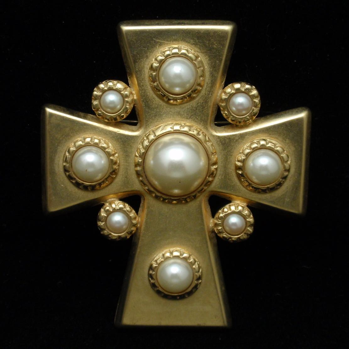 Cross Pin Pendant Erwin Pearl Vintage Gold Tone Metal Imitation Pearls
