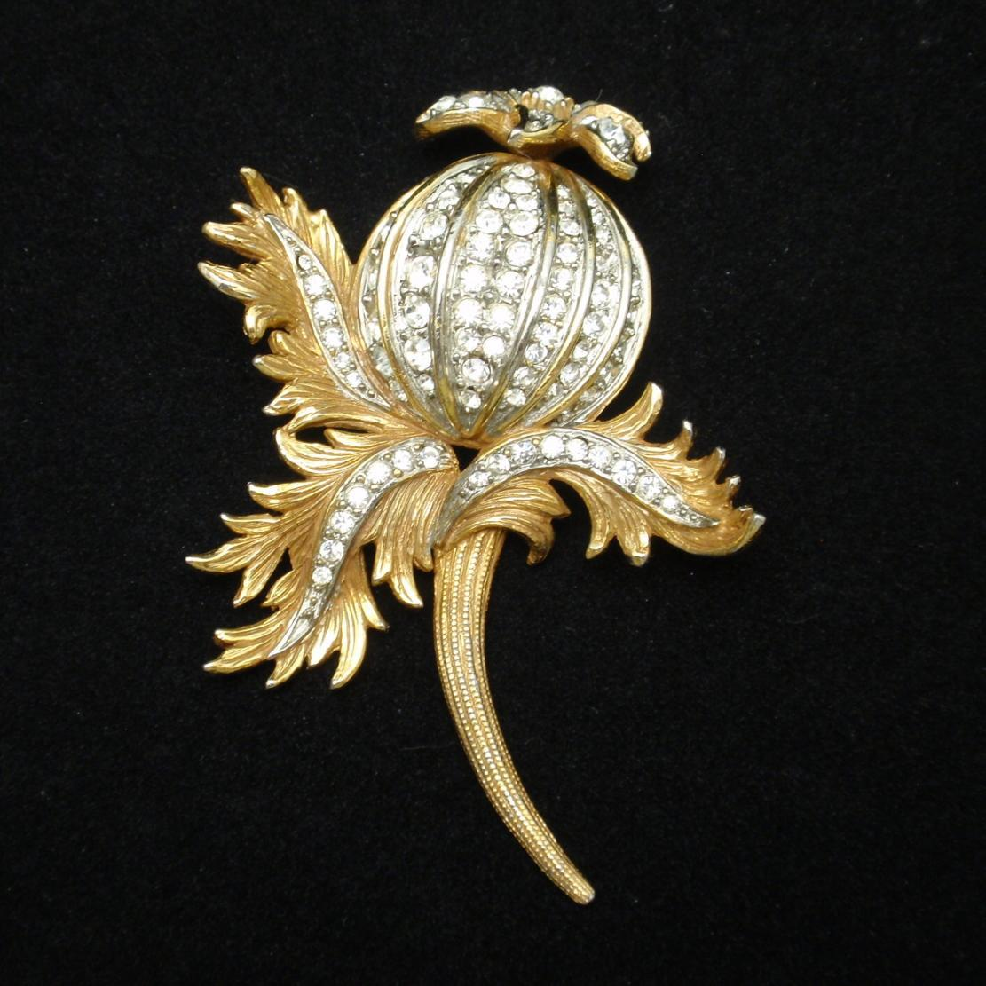 Thistle Flower Brooch Pin Rhinestones Gold Tone Metal Vintage Cadoro
