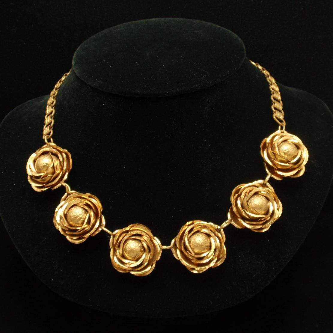 Cabbage Roses Necklace Vintage Gold Tone Metal Modified Bookchain