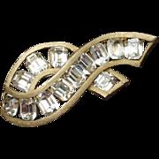 Kramer Rhinestones Brooch Pin Vintage Fly Away Bow