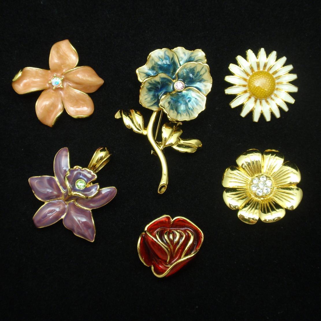 Joan Rivers Flower Set Interchangeable Blooms Pins Pendants