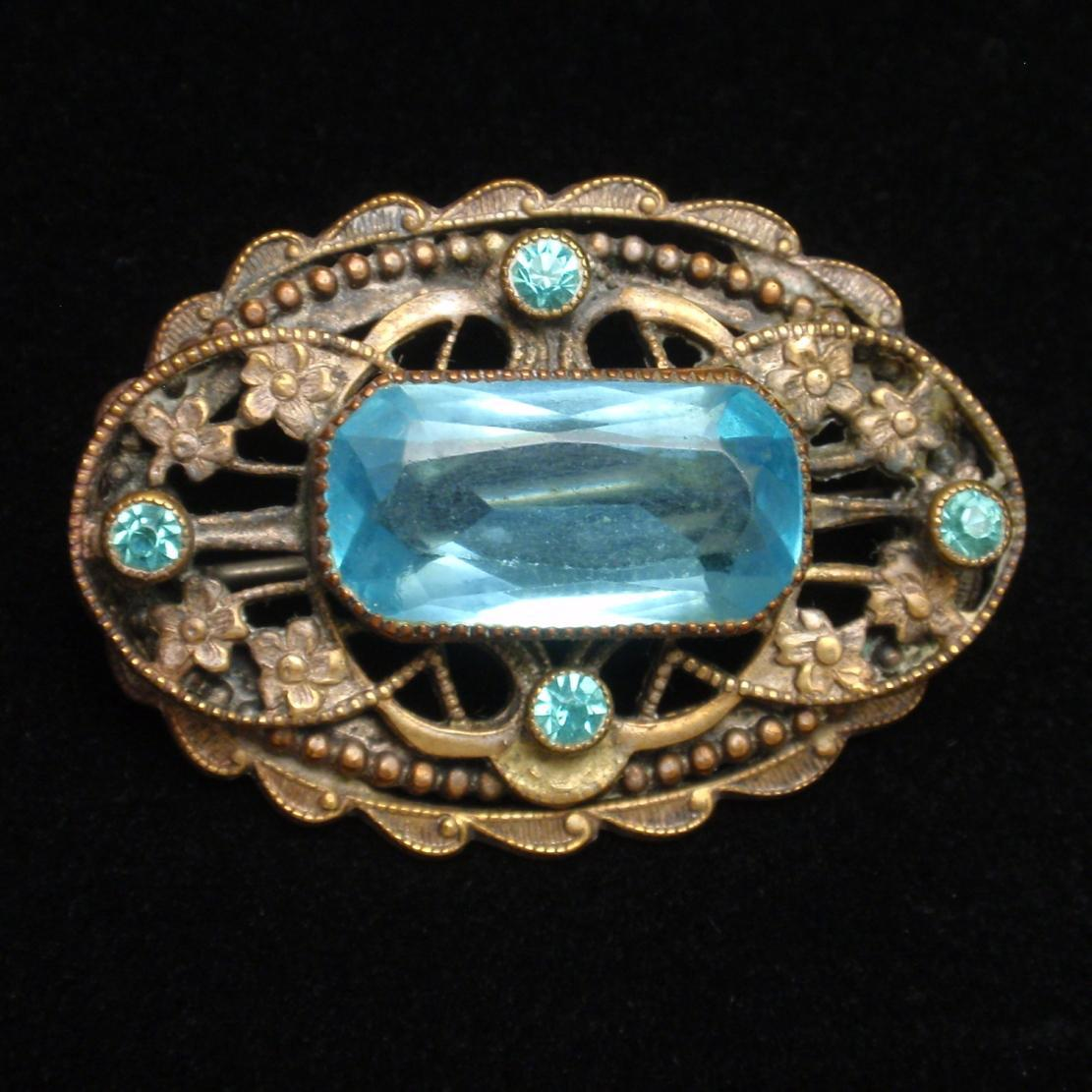 Vintage Oval Pin with Large Aqua Central Stone
