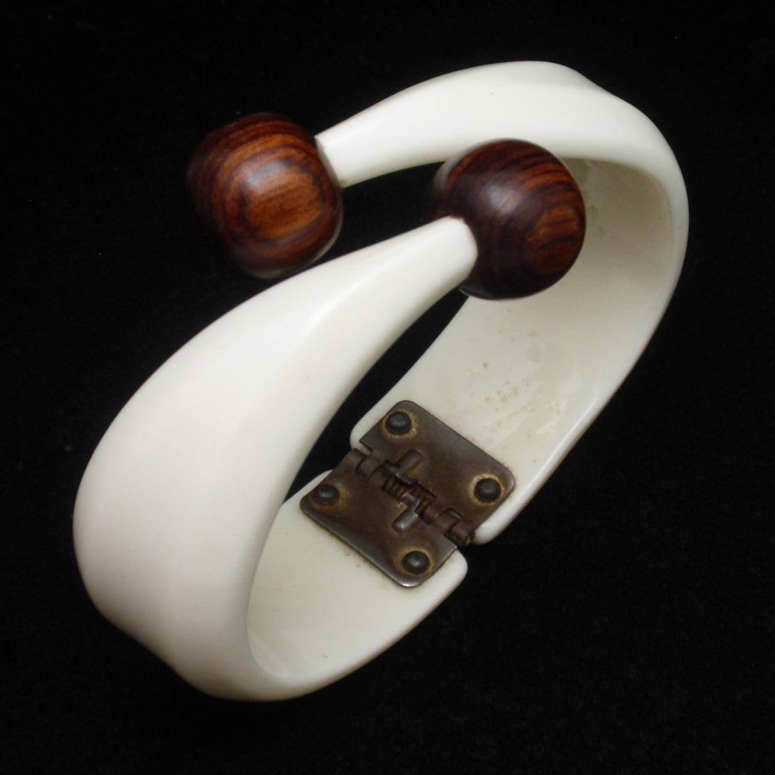 Vintage Clamper Bracelet Plastic with Wooden Knobs