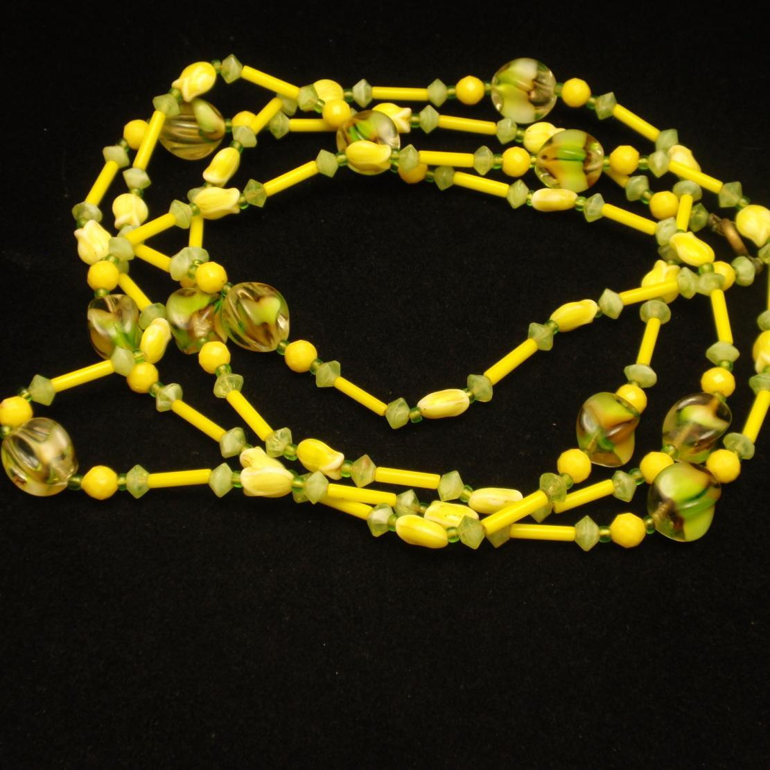 "52"" Necklace Glass Beads Yellow Green Citrus Colors Vintage"
