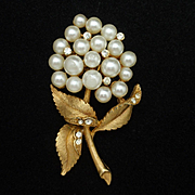 Imitation Pearls Flower Brooch Pin Vintage