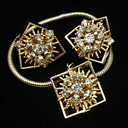 Unusual Hobe Single Charm Bracelet and Earrings Set Vintage