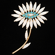 Napier Daisy Flower Pin Vintage White and Blue