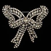 Bow Pin Vintage Rhinestone Brooch Weiss