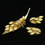 Floral Pin and Earrings Set Vintage Hattie Carnegie