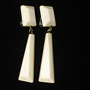 Retro Off-White Drop Earrings