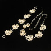 Leaf Design Necklace and Bracelet Set Vintage Sarah Coventry