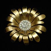 Daisy Flower Brooch Pin Vintage Rhinestones