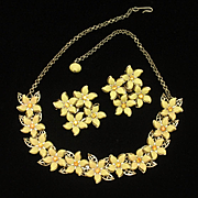 Yellow Flowers Orange Centers Necklace Earrings Set Vintage