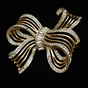 Bow Pin with Rhinestones Vintage Trifari pat. pend.