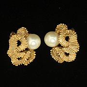 Vintage Clip Earrings Textured Gold Tone Metal Imitation Pearls