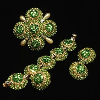 Vrba Set Opulent Brooch Pin Charm Bracelet Earrings Green Rhinestones A+