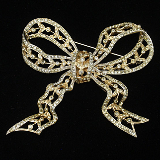 Rhinestone Bow Pin Vintage by Castlecliff