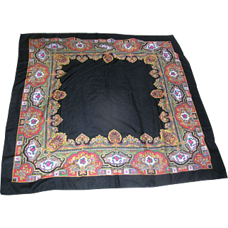 Beautiful Paisley Shawl marked acylique by Glentex, Japan and measuring 4 feet square! Lovely............!