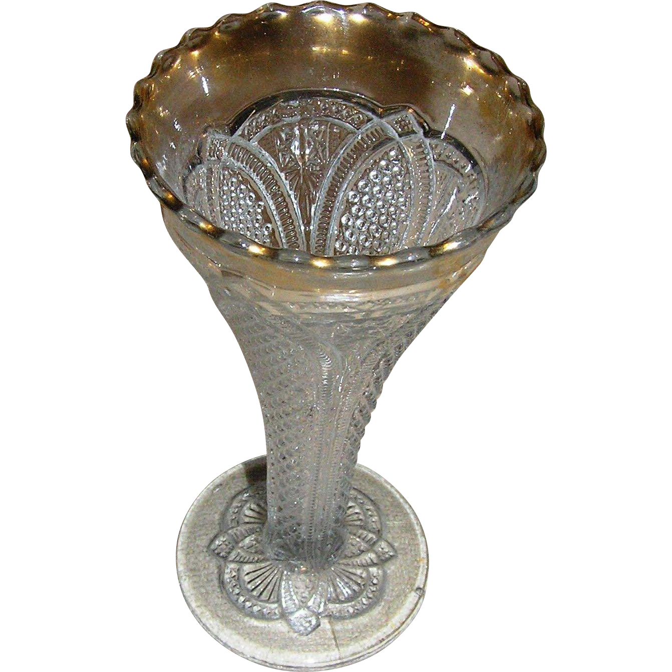 Trumpet vase eapg clear with a flashed gold top exc rare from eddy on ruby lane - Vase haut transparent ...