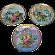 Vintage plates Gloria Vanderbilt Heirloom Plates, lot of 3, floral baskets