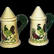 Salt & Pepper shaker, rooster motif, signed Metlox, exc!