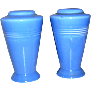 Set of blue solid salt and pepper shakers, exc!