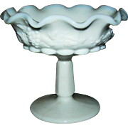 Milk Glass swirl rim dish, Westmoreland, signed, Mint!