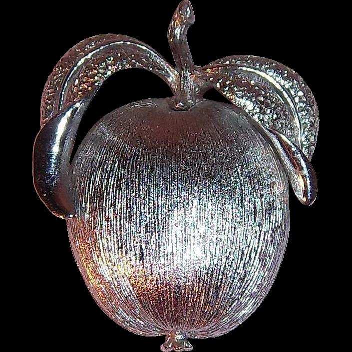 Sarah Coventry Adams Delight 1961 Textured 3-D Silvertone Metal Apple Pin