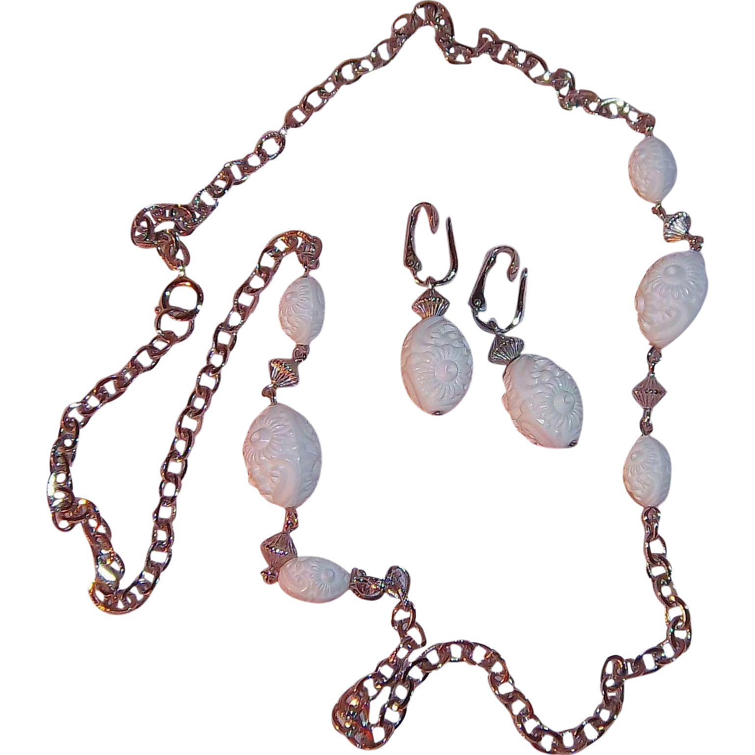 """Sarah Coventry """"Summer Flirt """" White Beaded Necklace & Earring Set 1974"""
