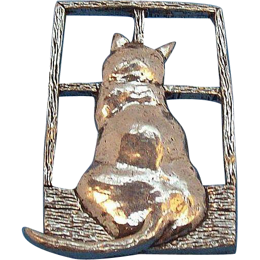Large Cat Sitting in Window Brooch Signed Sheridan Fine Pewter