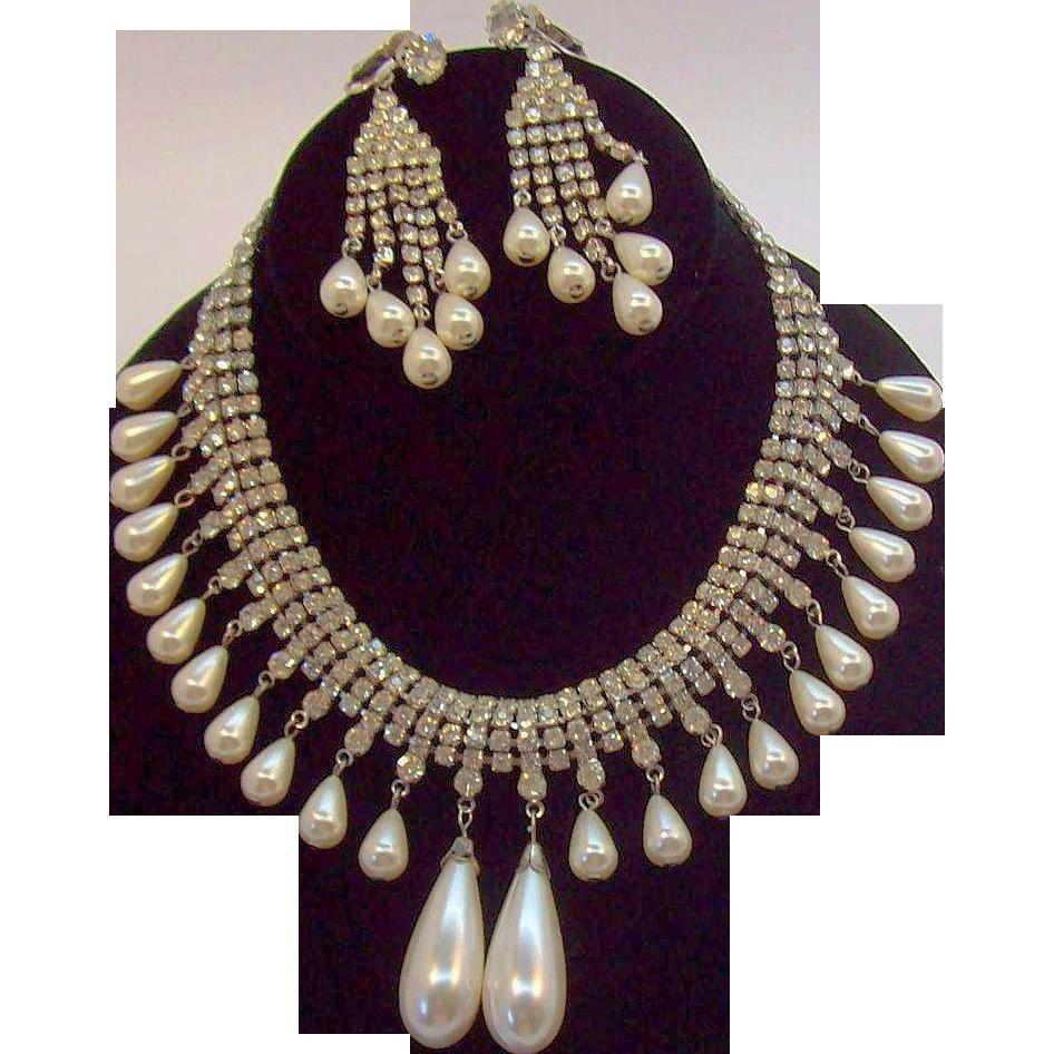 Dangle Imitation Pearls & Clear Rhinestone Choker Necklace & Earring Set