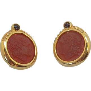 Intaglio Style Cameo Faces Goldtone Metal Clip on Earrings