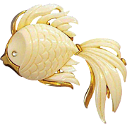Monet Large 3-Dimensional Thermoset Plastic Angelfish Brooch