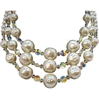 Vintage Textured Imitation Pearl & Aurora Crystal Beaded Triple Strand Necklace