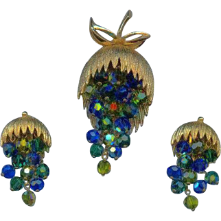 Vintage Blue Green Aurora Crystal Beaded Dangle Grape Cluster Brooch Clip on Earring Set