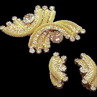 Vintage Goldtone Metal Mesh Dimensional Brooch and Earrings Set