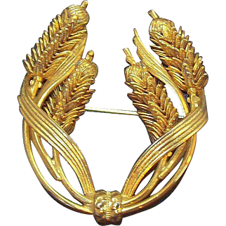 Vintage Dimensional Textured Goldtone Metal Cattails Bouquet Brooch