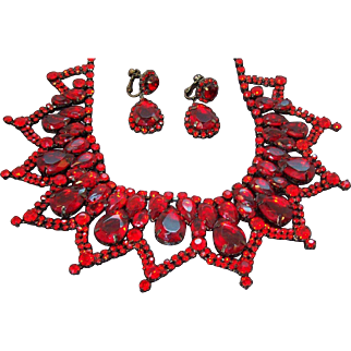 Vintage Red Rhinestone Lacy Dangle Bib Necklace Earring Set