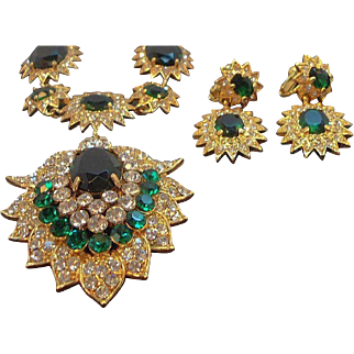 Vintage Large Regal Green Rhinestone Necklace & Dangle Earring Set