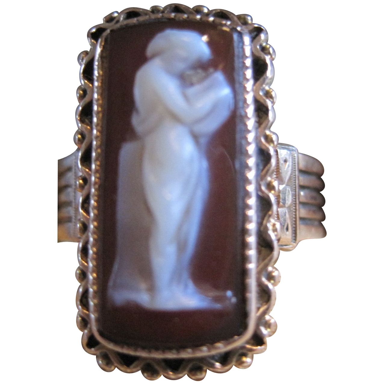 antique 14k rose gold  Hard stone Cameo Ring full figure