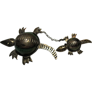 Pre Eagle Mexico Silver Agate Snapper Turtles chatelaine pins brooch