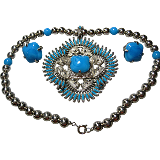 rare 1973 Castlecliff by Larry Vrba Pre-Columbian design Necklace and Earrings kissing Indians faux Turquoise & Beads