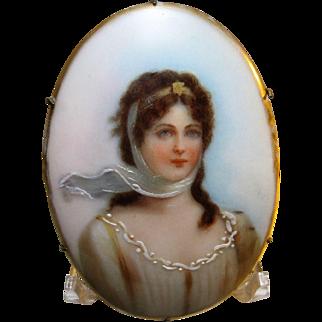 antique 1900s Queen Louise portrait brooch hand painted porcelain