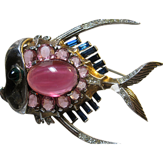 Rare 1945 Sterling Trifari Fish brooch pin Alfred Philippe Lucite Jelly Belly