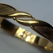 Vintage signed Monet Gorgeous Bright Gold Toned Textured Clamper Bracelet