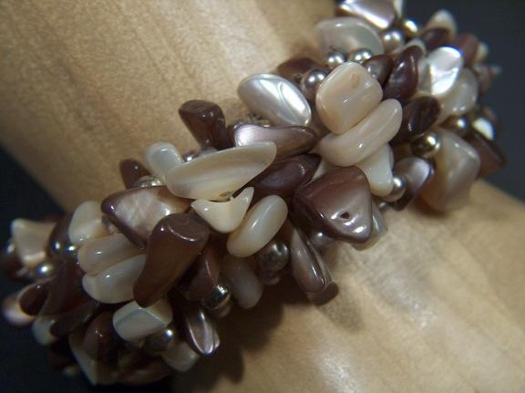 Vintage 1950s Mother of Pearl & Faux Pearl Cuff Bracelet ~ Gold Toned Beads